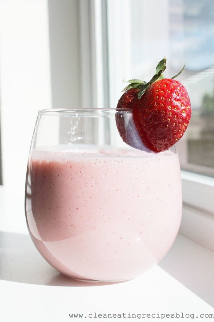 Strawberry Bananas Smoothies  25 Breakfast Smoothie Recipes for Weight Loss