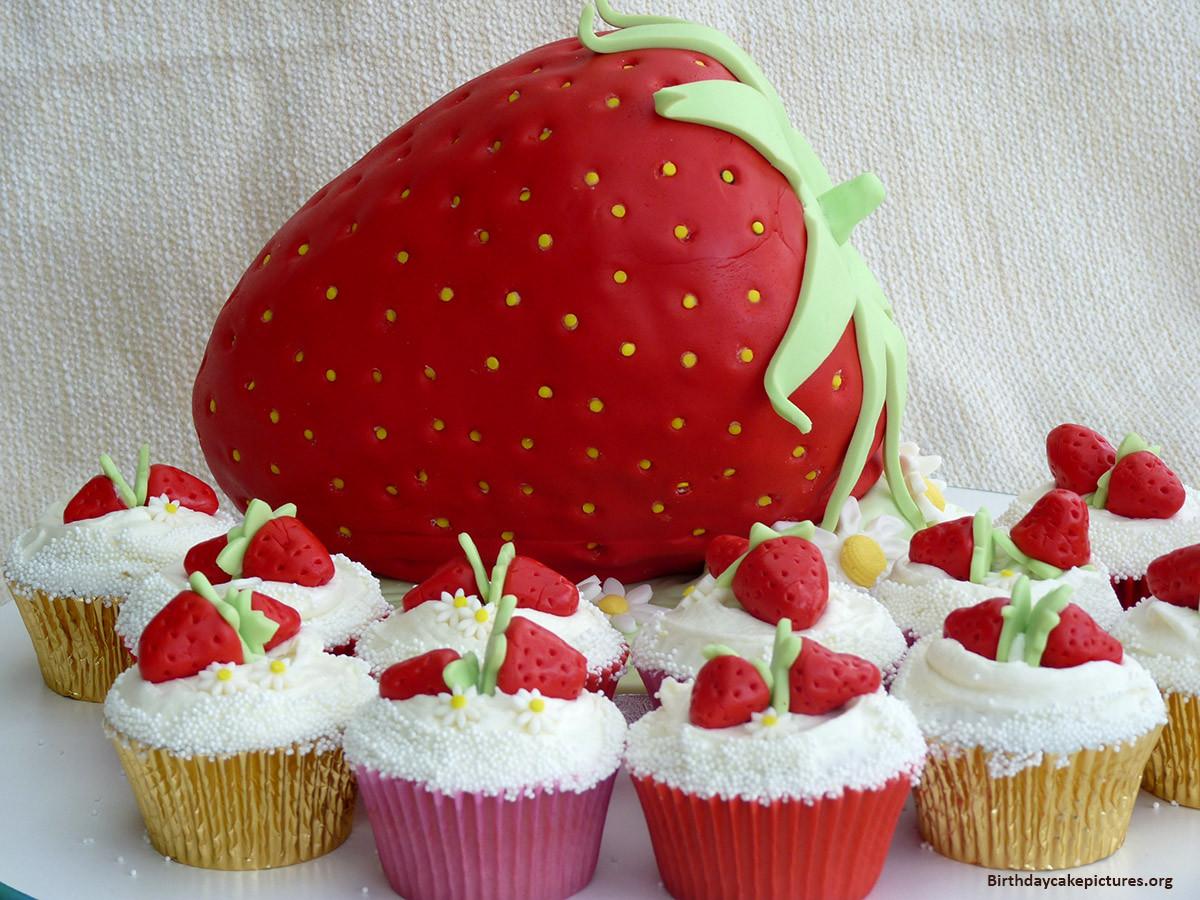 Strawberry Birthday Cake  Chocolate Strawberry Birthday Cake Beautiful