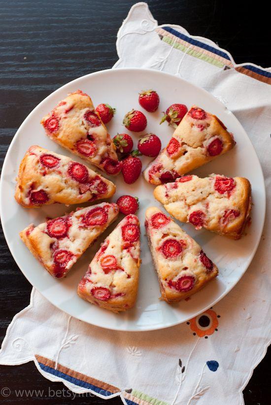 Strawberry Breakfast Recipes  Fresh Strawberry Breakfast Cake Recipe
