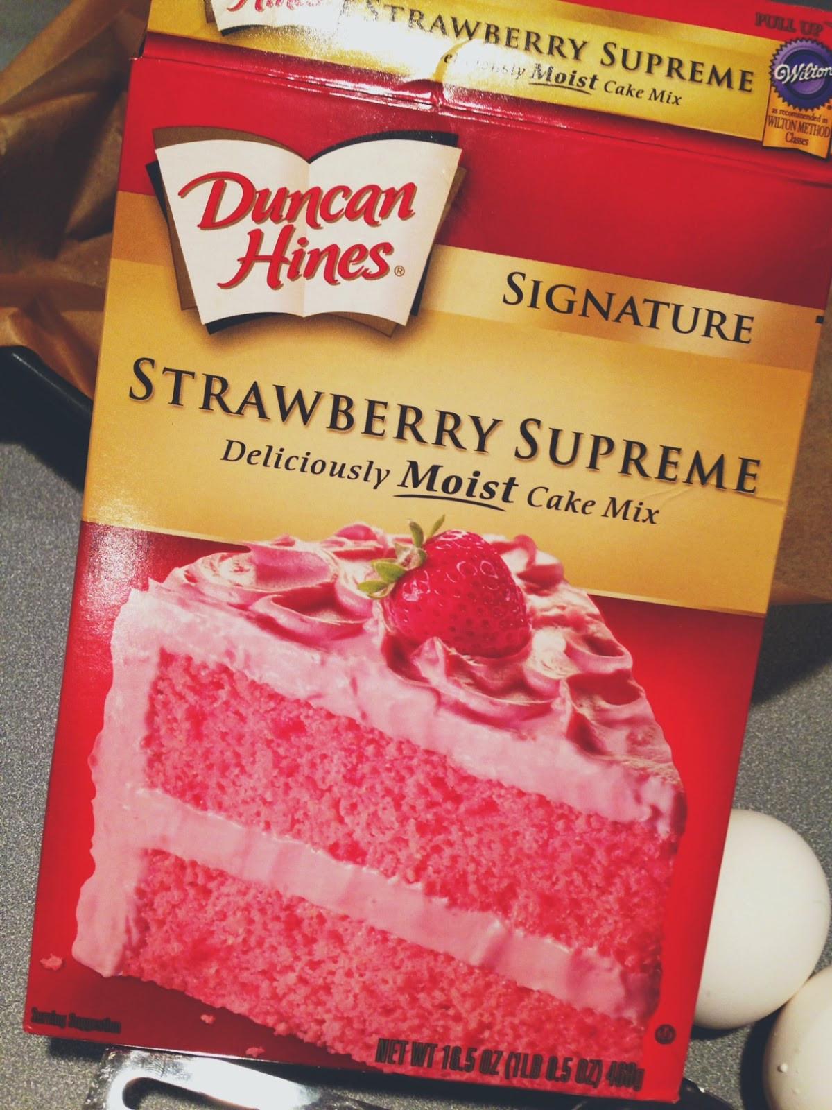 "Strawberry Cake Mix  Strawberry ""Brownies"""