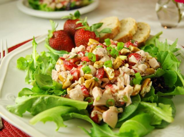 Strawberry Chicken Salad  Strawberry Chicken Salad & Homemade Poppy Seed Dressing