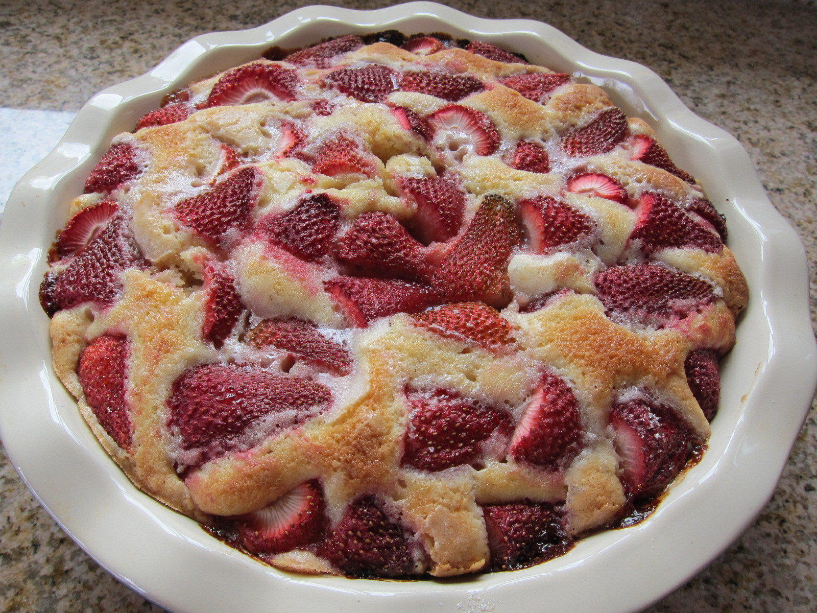Strawberry Dessert Recipes Easy  Easy Strawberry Cake