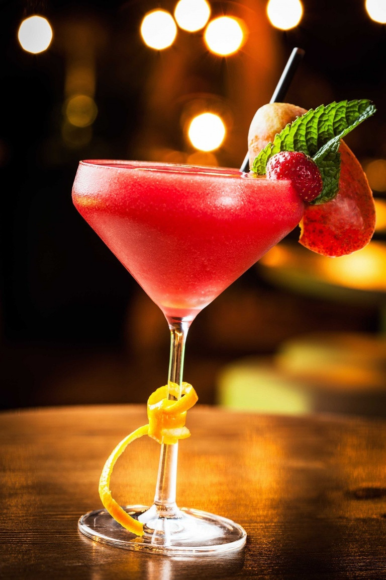 Strawberry Rum Drinks  How to make the perfect strawberry frozen Daiquiri a