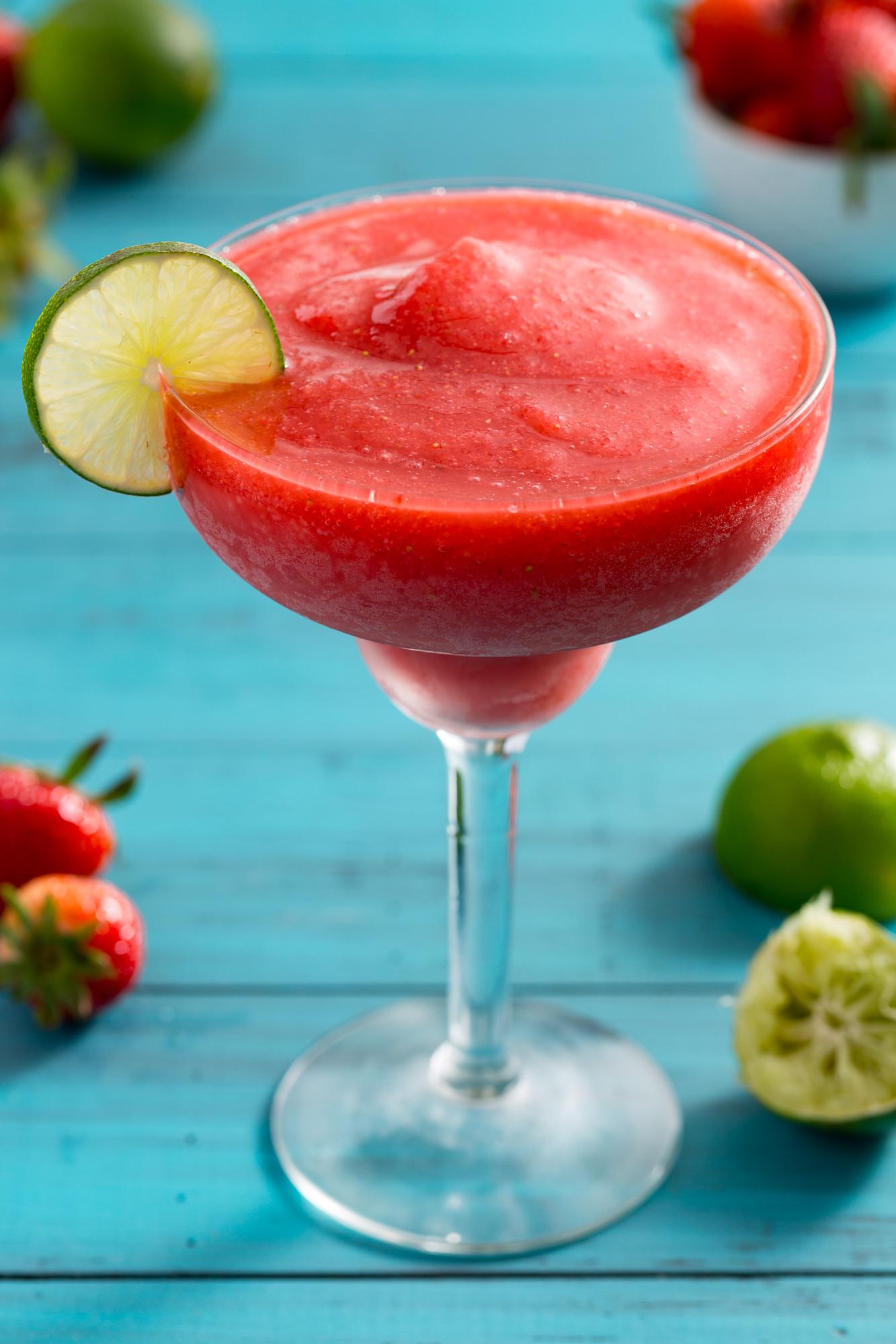 Strawberry Rum Drinks  Easy Frozen Strawberry Daiquiri Recipe How to Make a