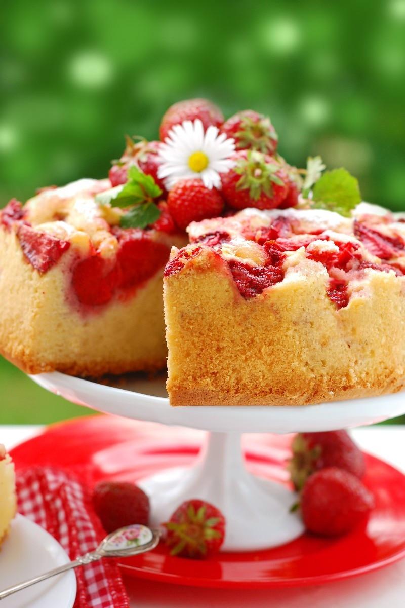 Strawberry Upside Down Cake  Fresh Strawberry Upside Down Cake