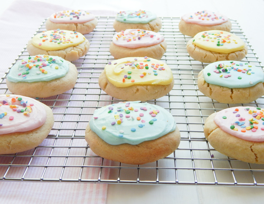 Sugar Cookies With Icing  soft sugar cookies icing