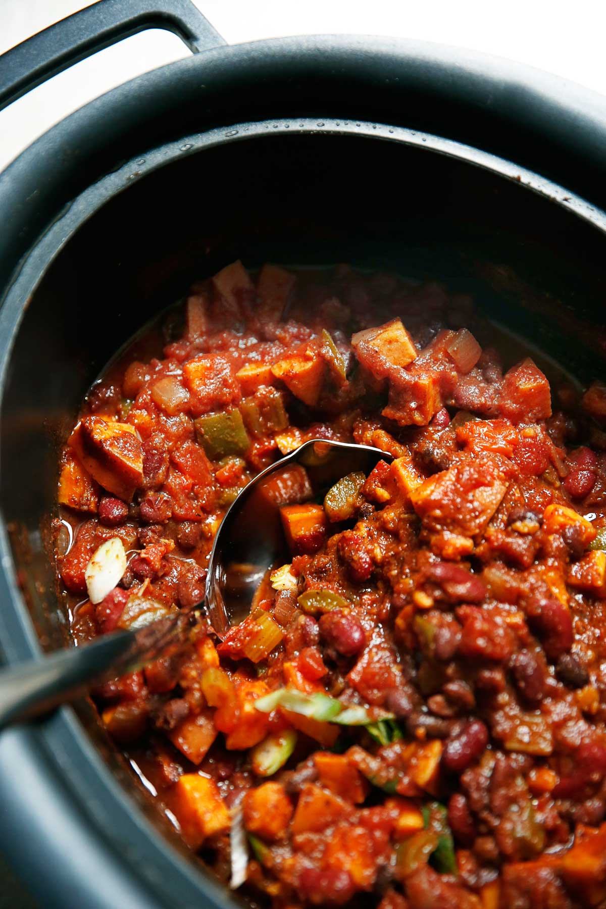 Sweet Potato Chili Slow Cooker  Slow Cooker Sweet Potato Chili Lexi s Clean Kitchen