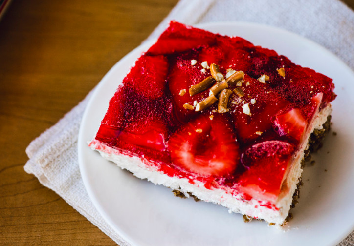 Taste Of Home Strawberry Pretzel Dessert  Strawberry Jello Pretzel Salad