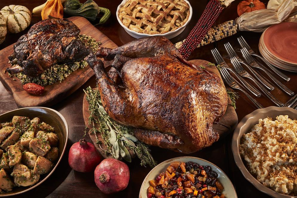 Thanksgiving Dinner Restaurants  Area Restaurants fer to Cook the Turkey