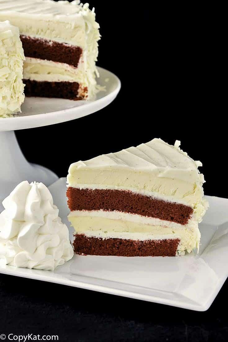 The Cheesecake Factory Ultimate Red Velvet Cake Cheesecake  Make your own Cheesecake Factory Red Velvet Cheesecake