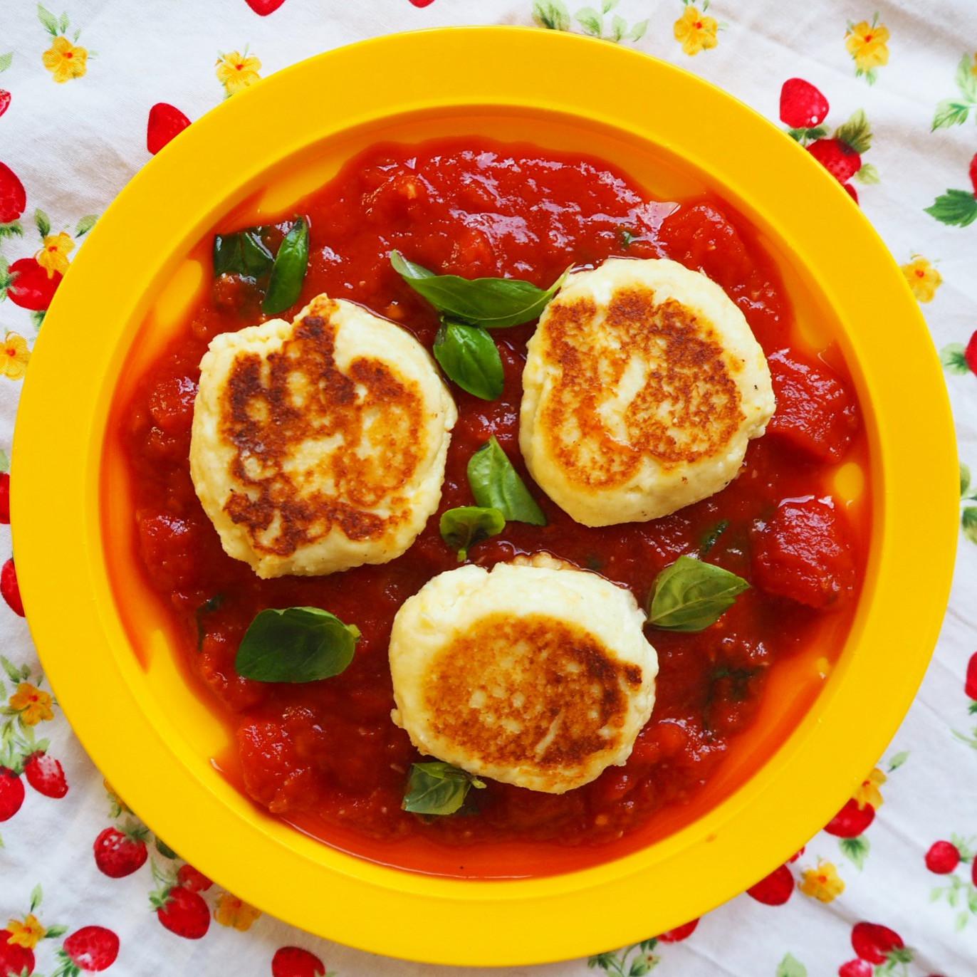 Tomato Basil Sauce  ricotta fritters w' tomato basil sauce
