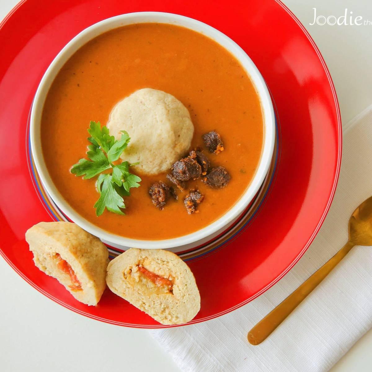 Tomato Soup From Tomato Paste  Tomato Soup with Tomato and Garlic Matzo Balls