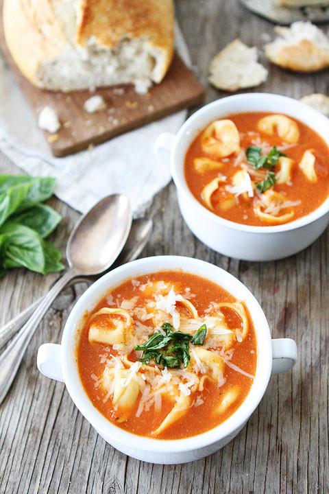 Tomato Tortellini Soup  Creamy Tomato Tortellini Soup
