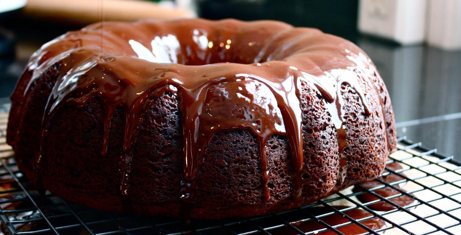Too Much Chocolate Cake  too much chocolate cake Cannella Vita