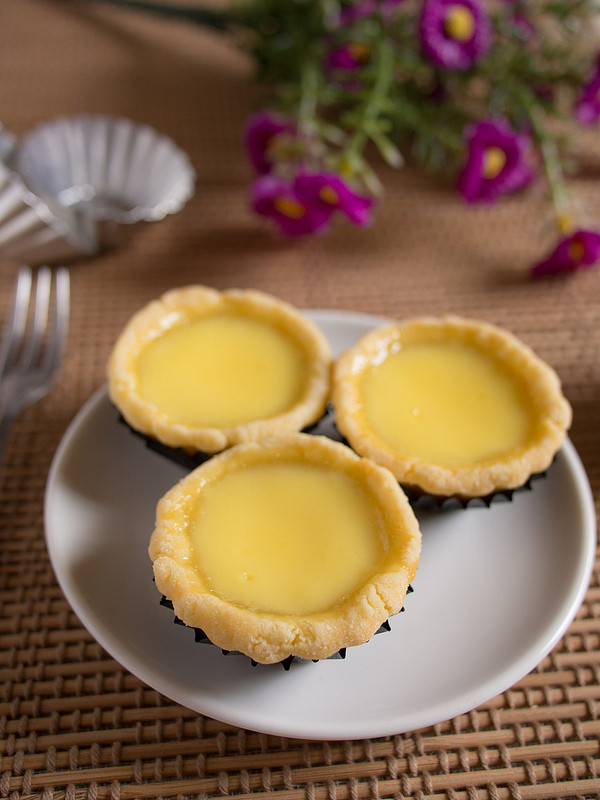 Traditional Chinese Desserts  Hong Kong egg tarts Dessert Tales