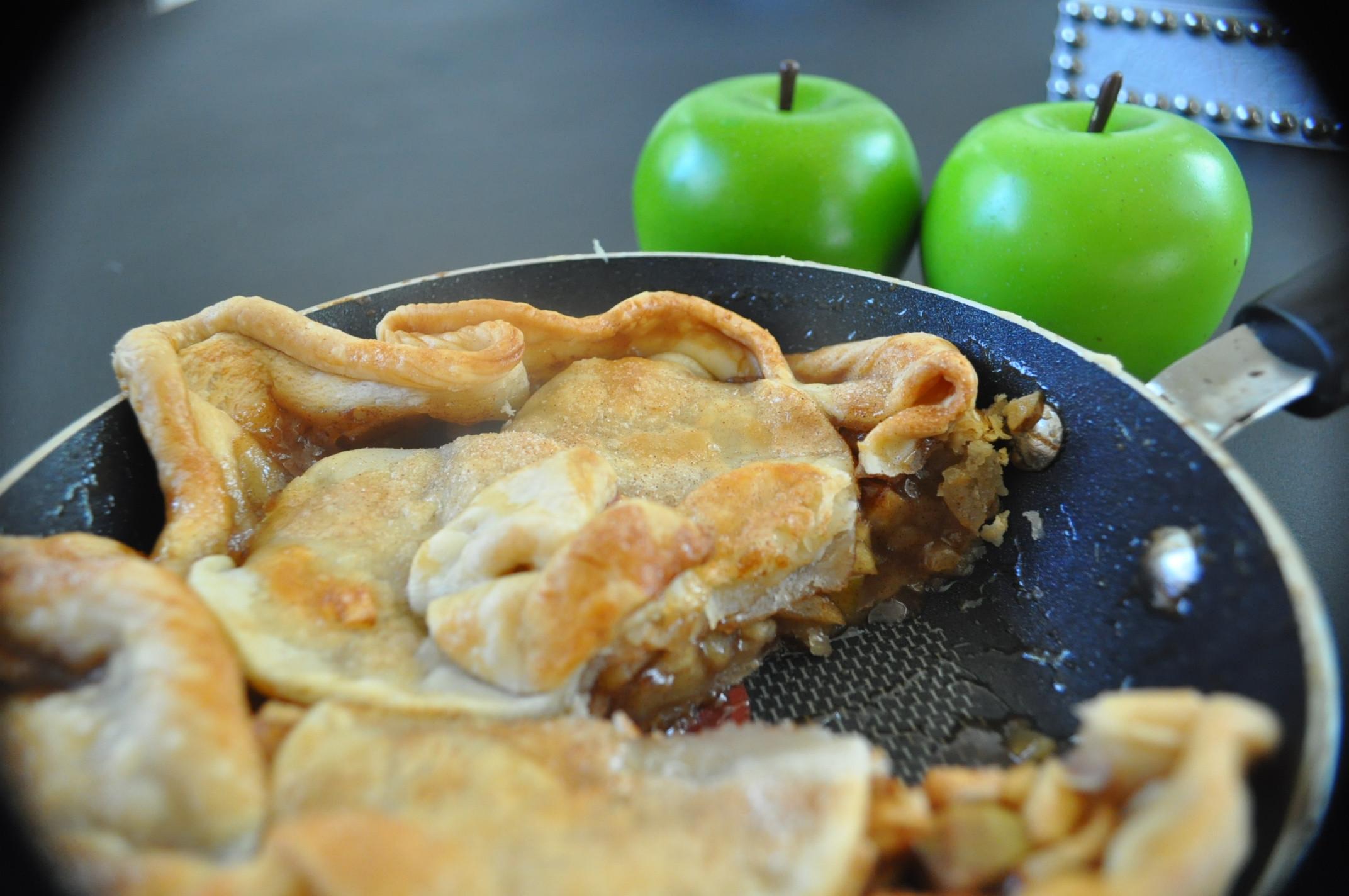 Trisha Yearwood Skillet Apple Pie  Blog Archive DSC 0229