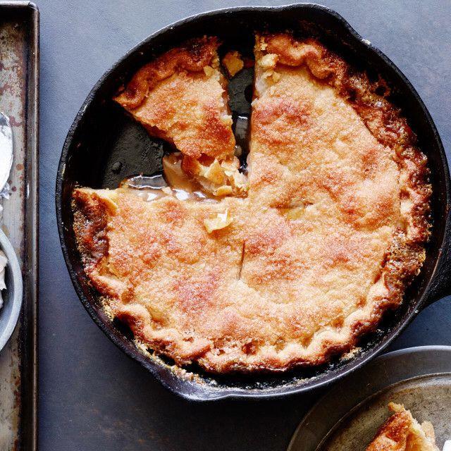 Trisha Yearwood Skillet Apple Pie  Skillet Apple Pie with Cinnamon Whipped Cream レシピ