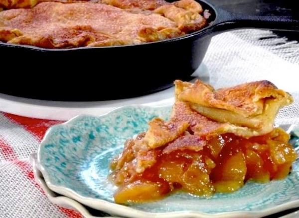 Trisha Yearwood Skillet Apple Pie  Jan CAN Cook Trisha Yearwood s Skillet Apple Pie