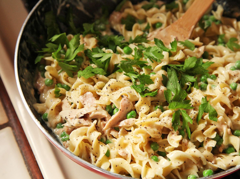 Tuna Casserole Easy  Easy e Pot No Knife Lighter Tuna Noodle Casserole