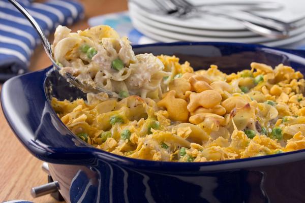 Tuna Casserole With Chips  tuna casserole with potato chips