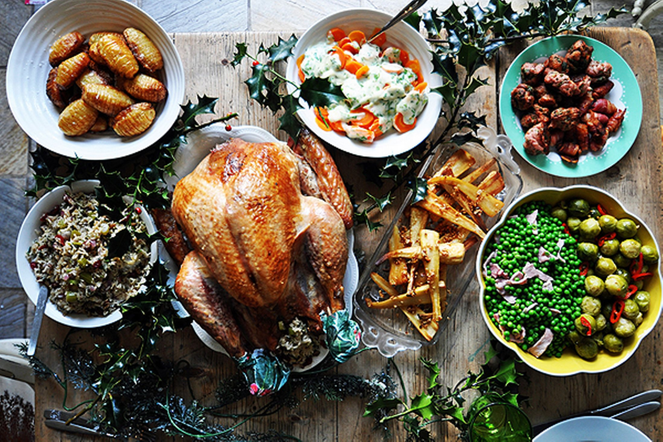 Typical Christmas Dinner  Traditional Holiday Feasts Around the World Crave Du Jour