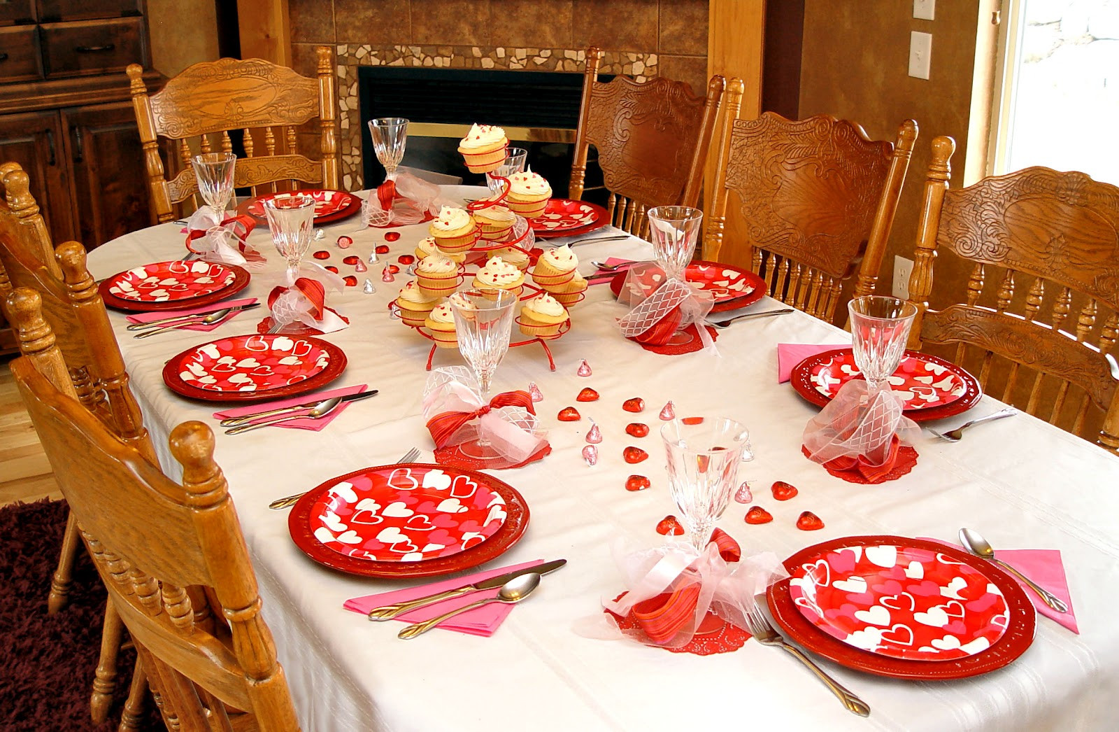 Valentine Dinner Ideas  Family Valentines Dinner Idea and How To Make A Junk Bow