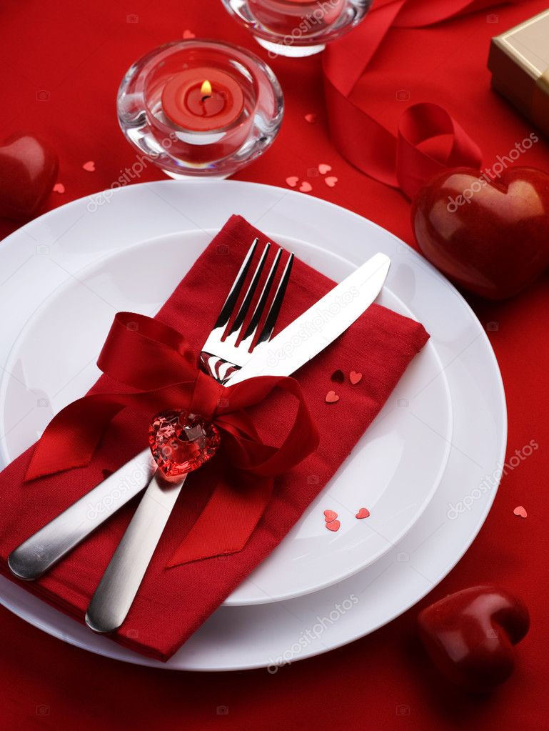 Valentine'S Day Dinner 2020  Romantic Dinner Table place setting for Valentine s Day