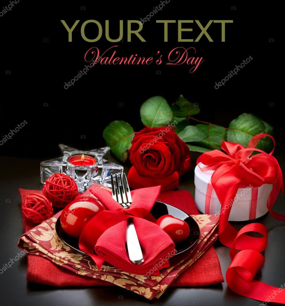 Valentine'S Day Dinner  Romantic Dinner Place setting for Valentine s Day — Stock