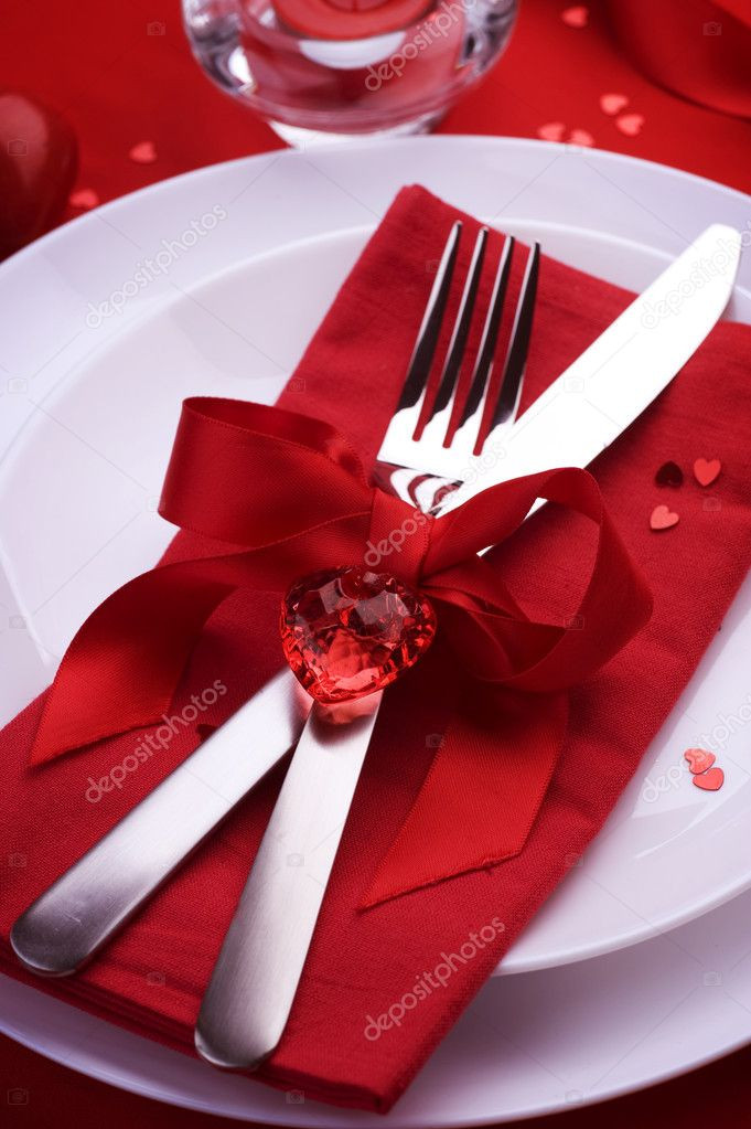 Valentine'S Day Dinner  Romantic Dinner Table place setting for Valentine s Day