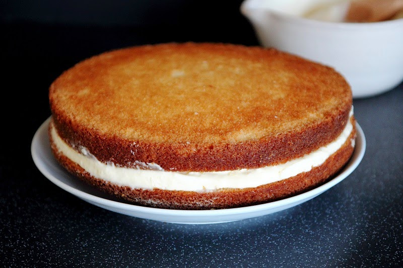 Vanilla Cake Recipe With Oil  Vanilla Cake with Cooked Cream Cheese Frosting