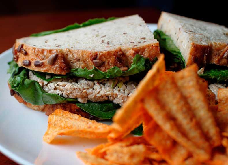Vegan Chicken Salad  15 Sandwiches Saludables Y Deliciosos Para Hacer En Casa