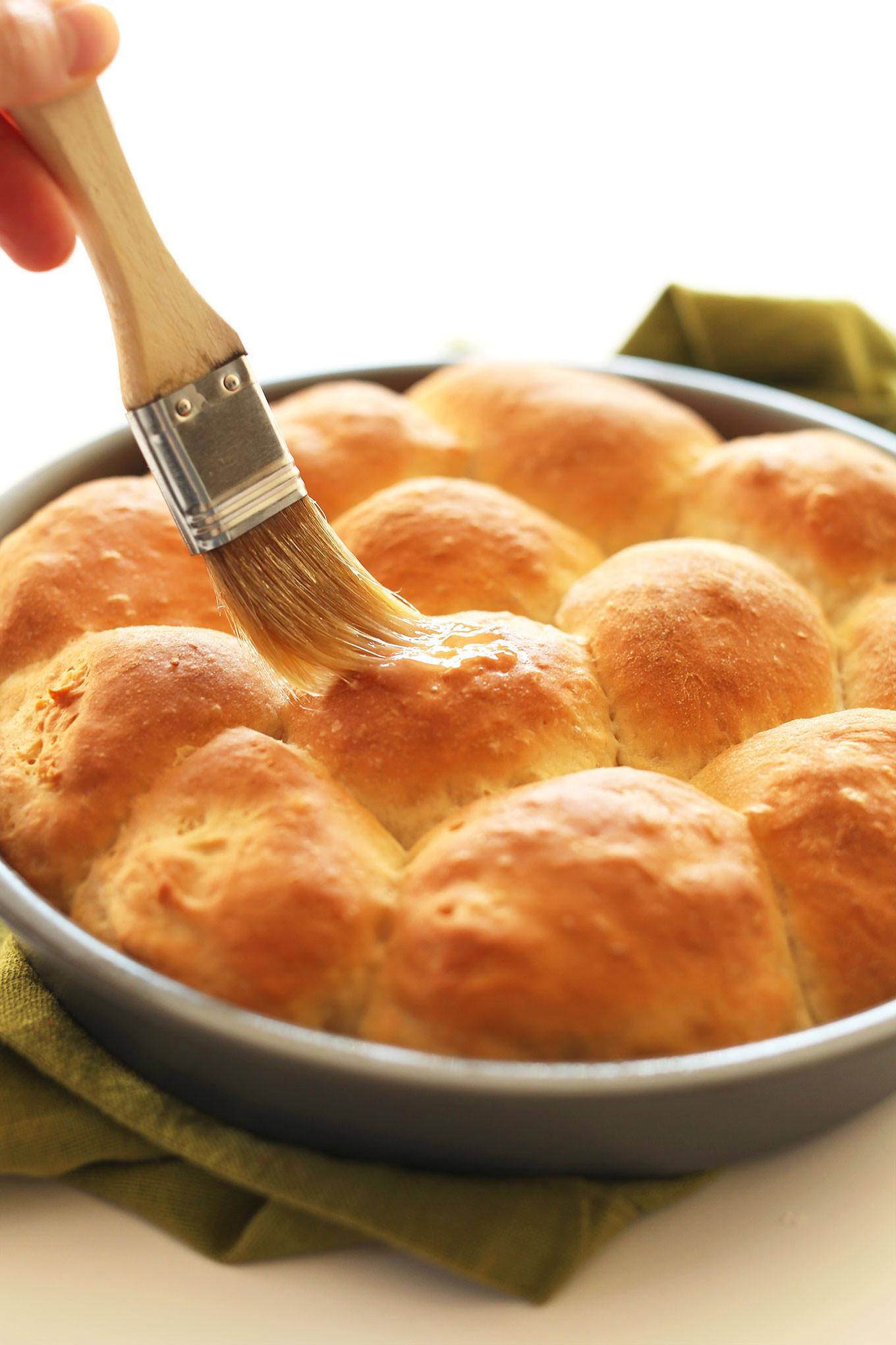 Vegan Dinner Roll  4 Tips For Throwing The Best Thanksgiving Sendo Invitations