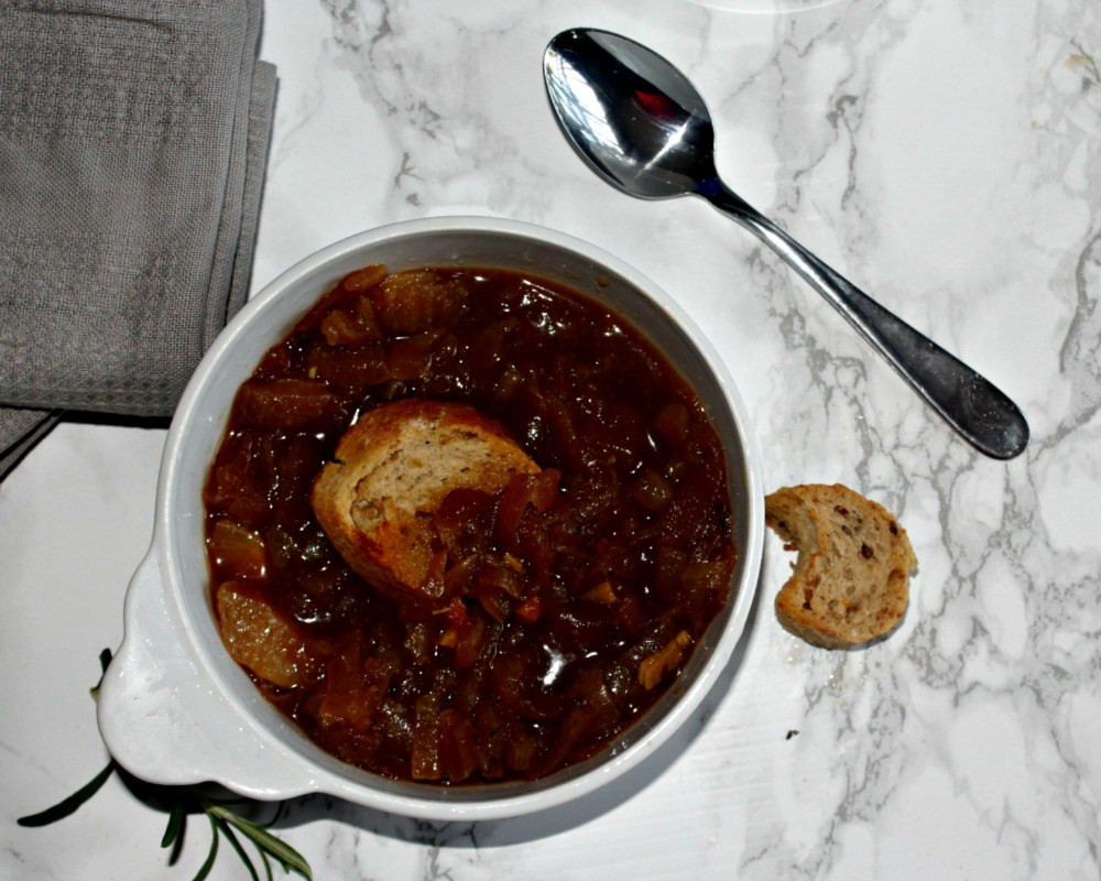 Vegan French Onion Soup  Vegan French ion Soup Simple And Savory