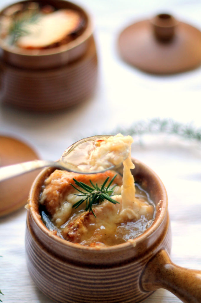 Vegan French Onion Soup  Ve arian French ion Soup with Spiralized ions
