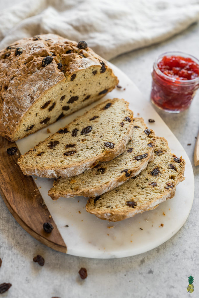 Vegan Irish Soda Bread  10 Ingre nt Vegan Irish Soda Bread w Raisins easy