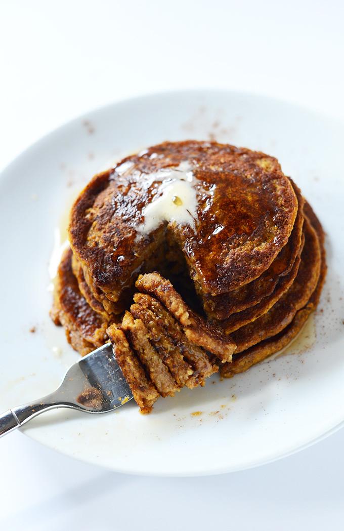 Vegan Pumpkin Pancakes  via Vegan Pumpkin Pancakes Minimalist Baker Recipes