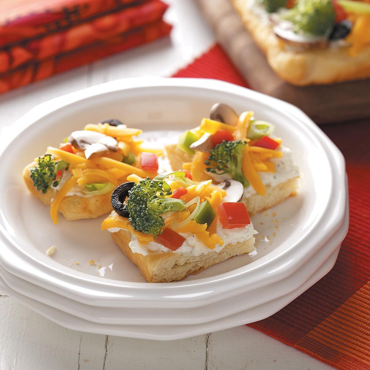 Vegetarian Appetizer Recipes  crescent roll veggie pizza