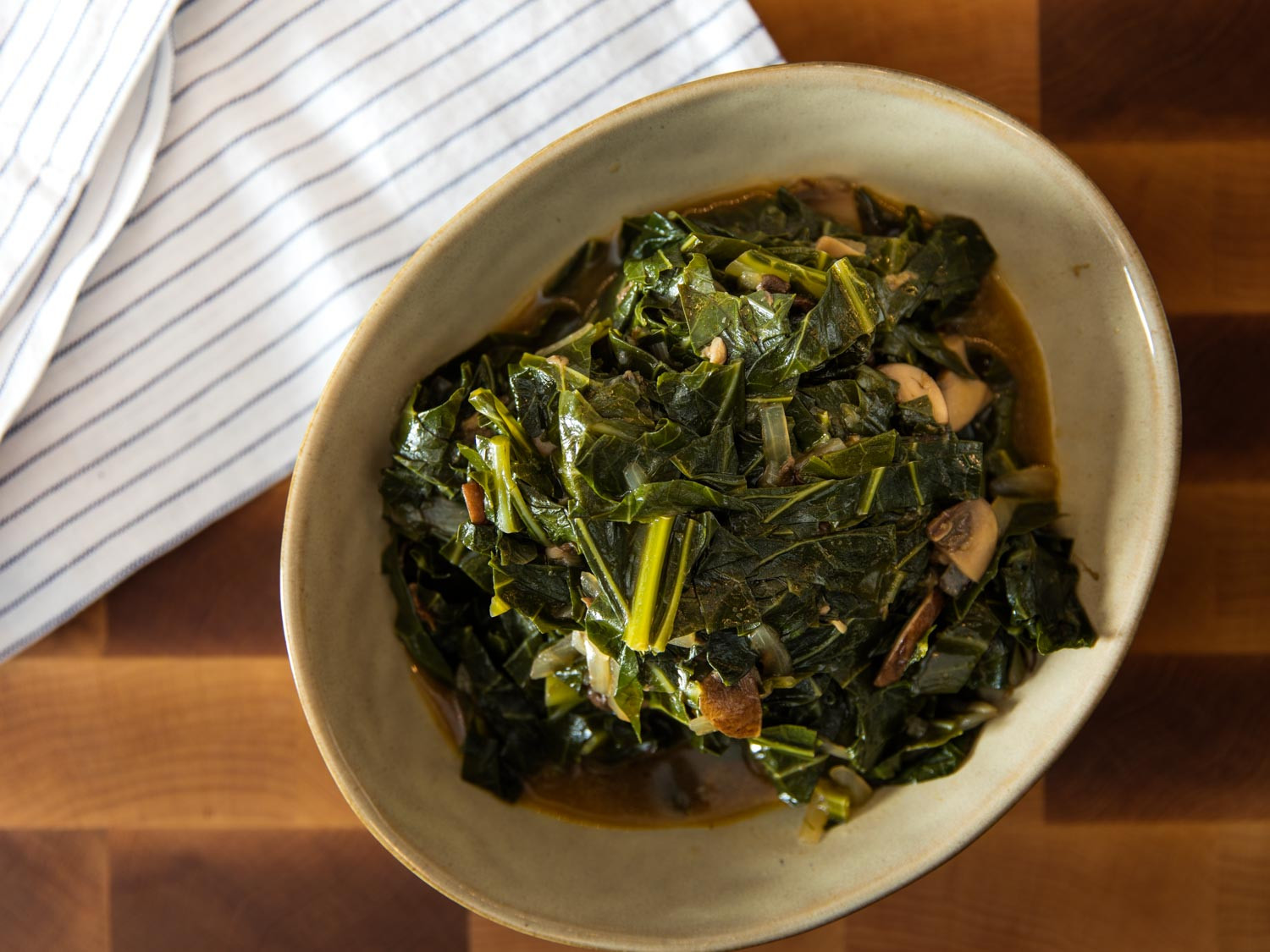 Vegetarian Collard Greens  How to Make Rich and Smoky Collard Greens With or Without