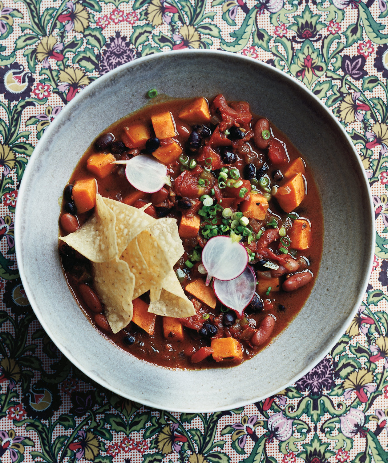 Vegetarian Slow Cooker Recipes  Slow Cooker Ve arian Chili With Sweet Potatoes Recipe