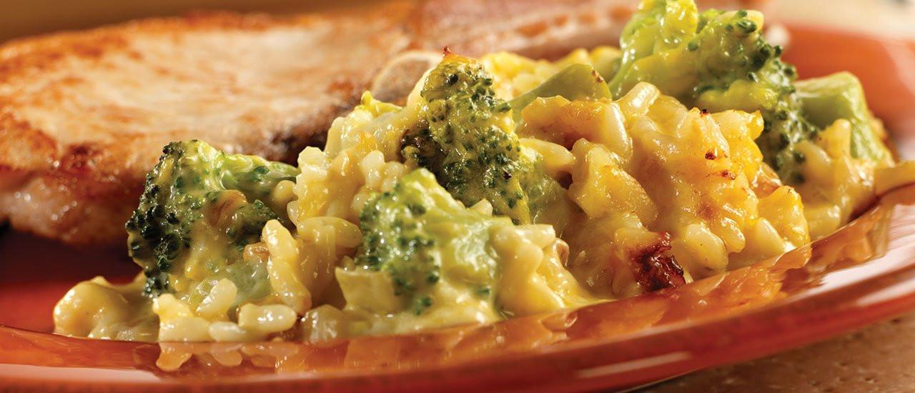 Velveeta Broccoli Rice Casserole  broccoli rice casserole with minute rice and velveeta
