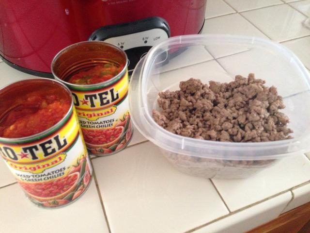 Velveeta Queso Dip With Ground Beef  velveeta queso dip with ground beef and rotel