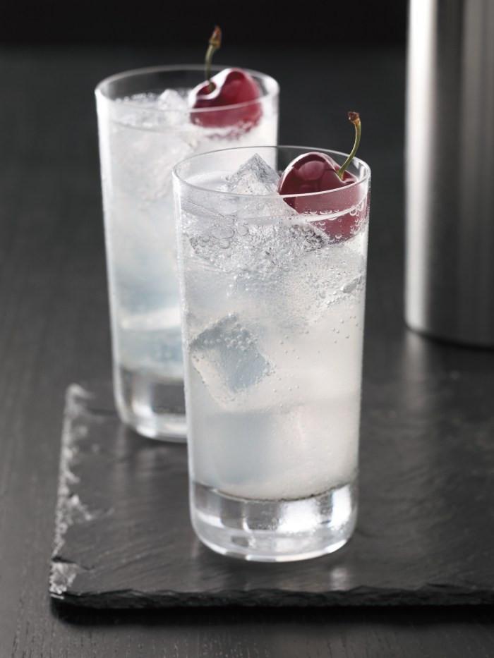Vodka Drinks Mix  Cherry Slice Vodka Cocktail Recipe – Food Republic