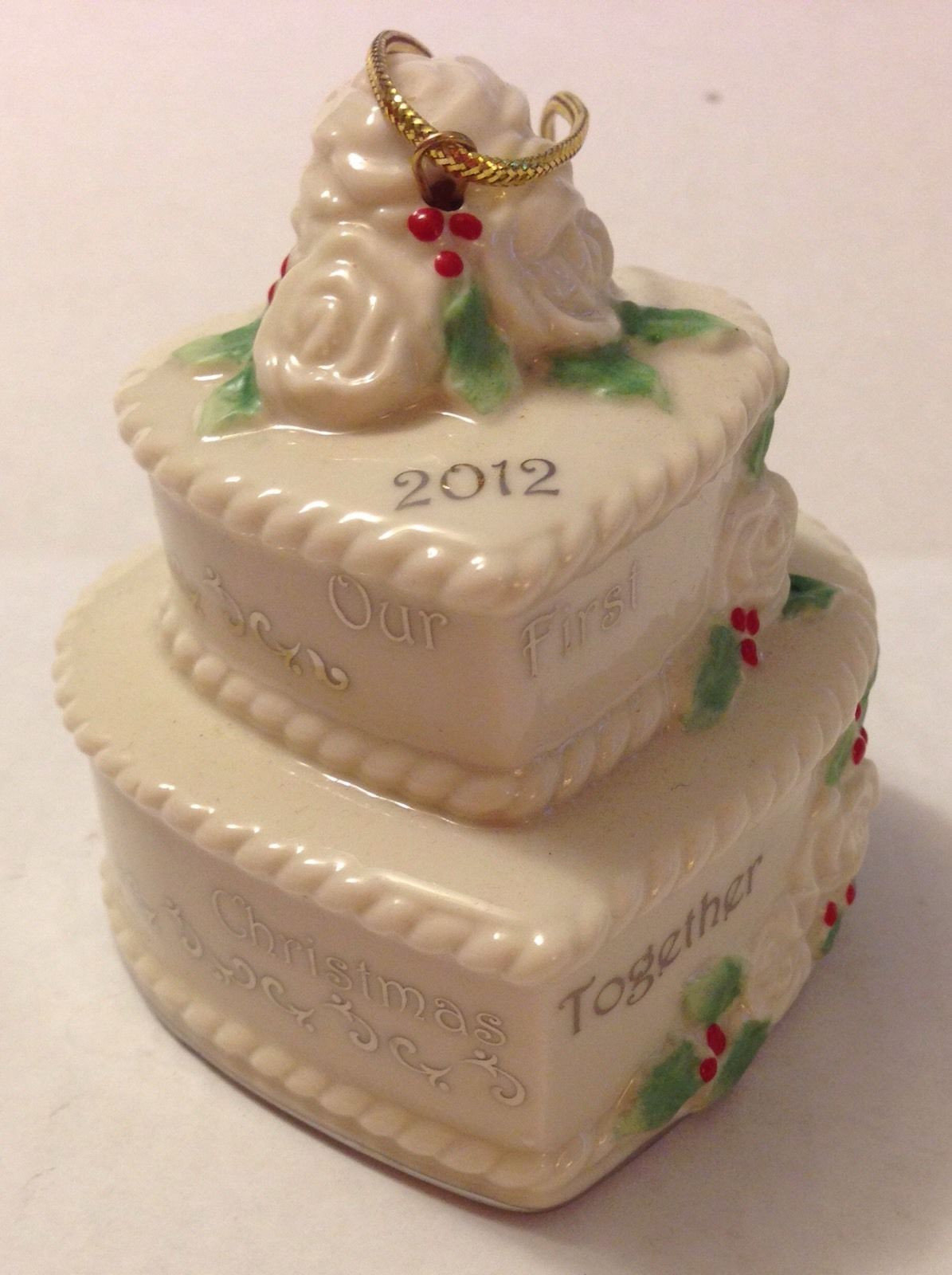 Wedding Cakes Ornaments  Wedding cake christmas ornament idea in 2017