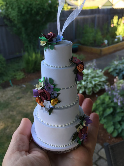 Wedding Cakes Ornaments  How to Turn Your Wedding Cake Into an Ornament