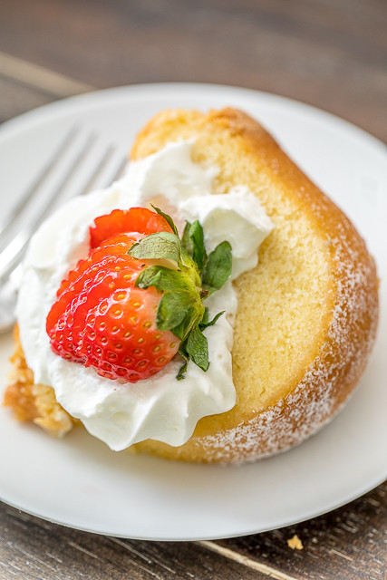 What Dessert Can I Make With Flour Sugar And Eggs  The BEST Homemade Pound Cake