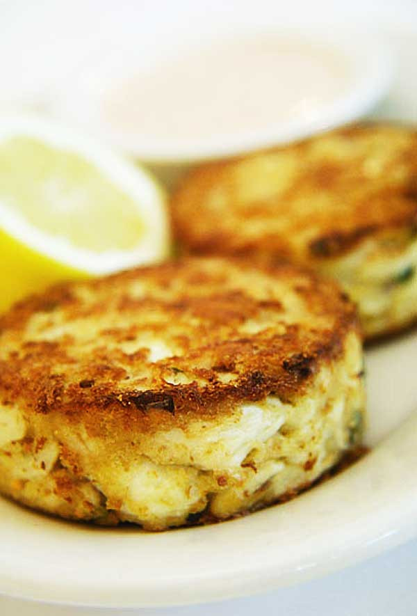 What To Eat With Crab Cakes  Dining Chicago Eat this Crabcakes an American delicacy