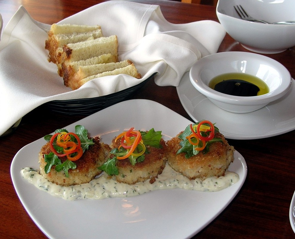 What To Eat With Crab Cakes  Best Food In Bandon