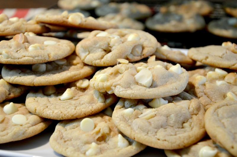White Chocolate Chip Macadamia Nut Cookies  White Chocolate Chip Macadamia Nut Cookies Food Blogger