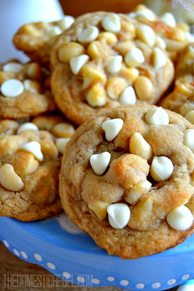 White Chocolate Chip Macadamia Nut Cookies  Ultra Soft & Chewy White Chocolate Macadamia Nut Cookies