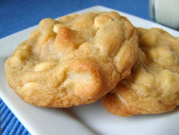 White Chocolate Chip Macadamia Nut Cookies  White Chocolate Chip Macadamia Nut Cookies